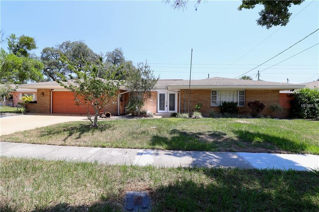 2825 Greenfield Ave Orlando, FL 32808