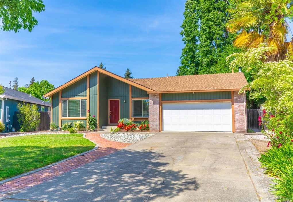 2438 Carriage Pl Napa, CA 94558