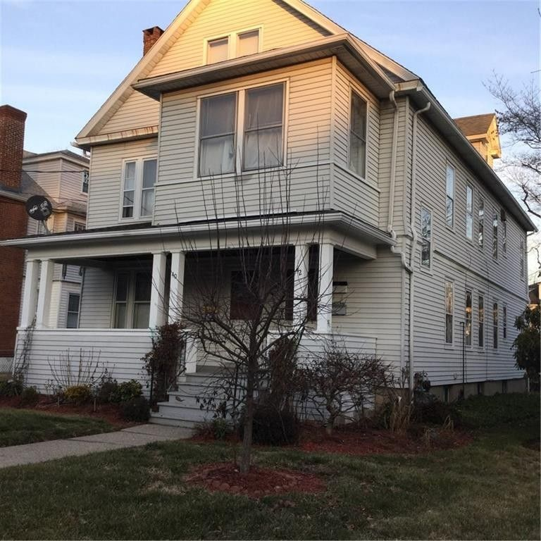 42 Quaker Ln S, West Hartford, CT 06119