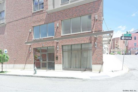 Photo of 17 Chapel St, Albany, NY 12210