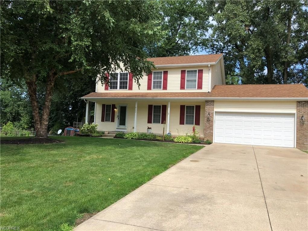 8173 Barberry Hill Dr Mentor, OH 44060
