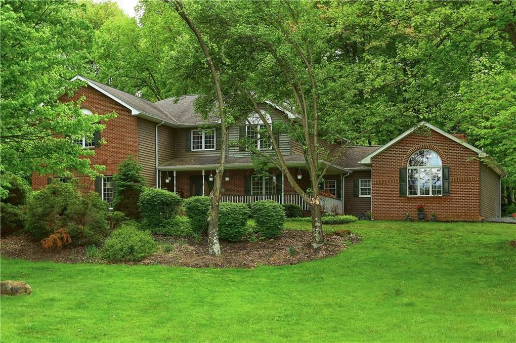 565 Hollow Rd Enon Valley, PA 16120