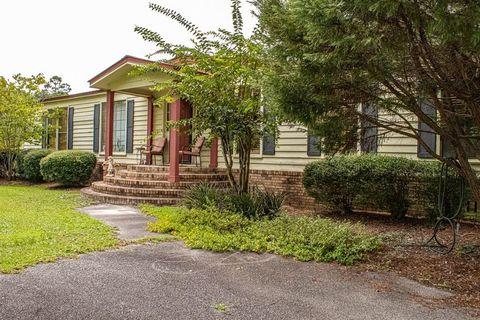 Photo of 59 Buck Griffis Rd, Homerville, GA 31634