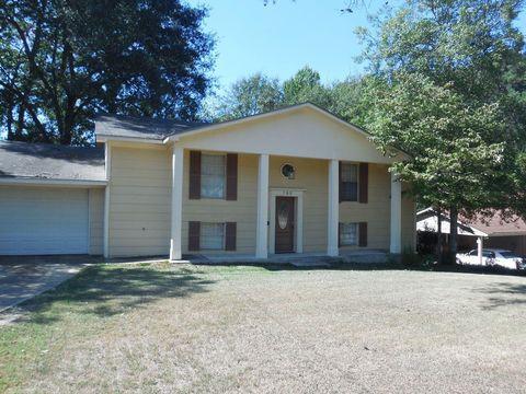 Photo of 560 Farmington Rd, Montgomery, AL 36109