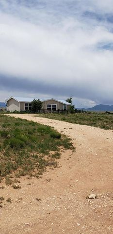 Photo of 63 Charlie Breckenridge Rd, Moriarty, NM 87035