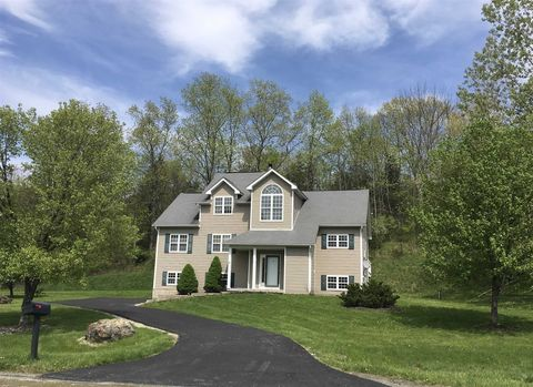 Photo of 29 Red Hawk Hollow Rd, Wappingers Falls, NY 12590
