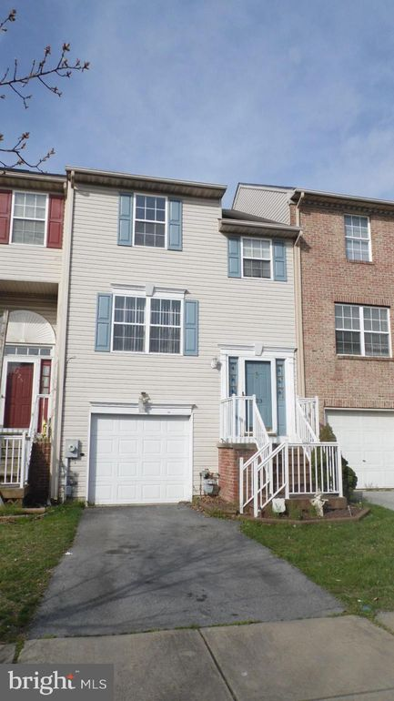 223 Bellwether Ct, Newark, DE 19702