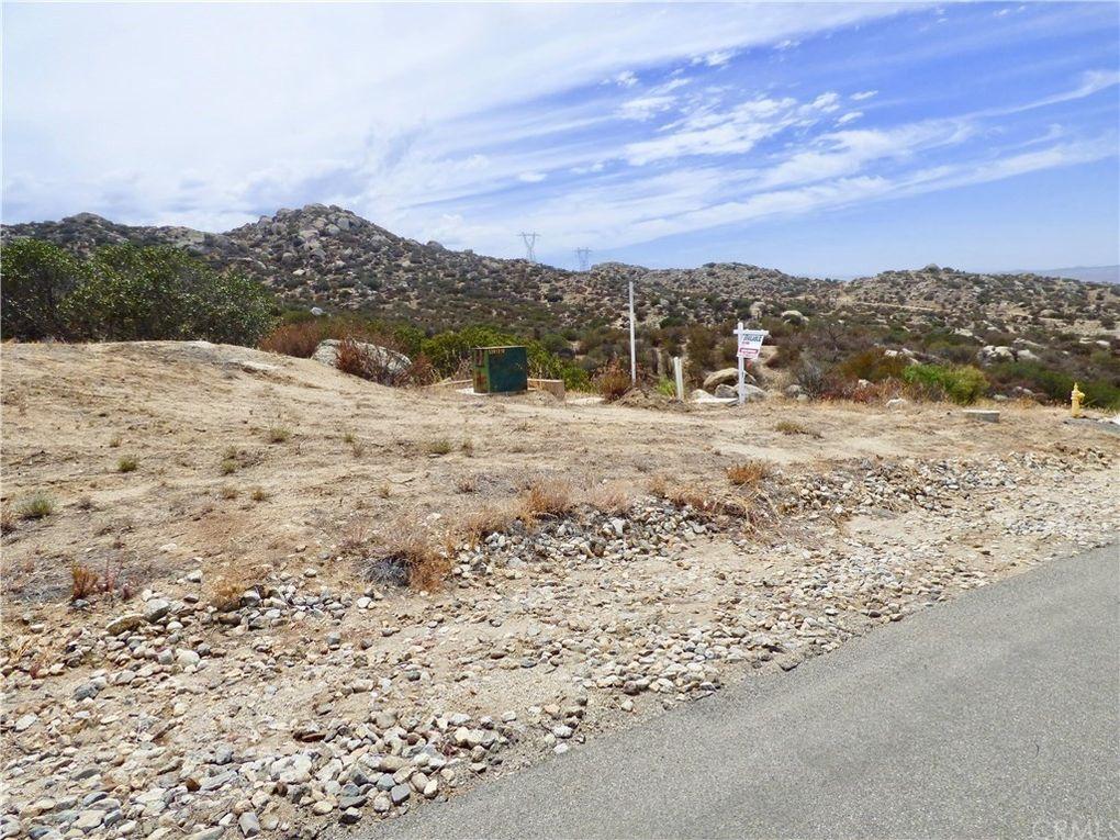 22955 Sky Mesa Rd Juniper Flats, CA 92548