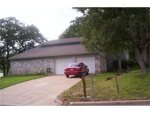 Photo of 1936 Crooked Ln, Fort Worth, TX 76112
