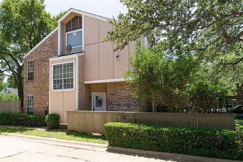 Photo of 2400 Northlake Ct, Irving, TX 75038
