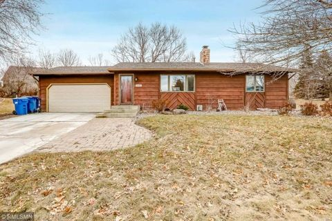 Photo of 1421 Independence Ave, Chaska, MN 55318