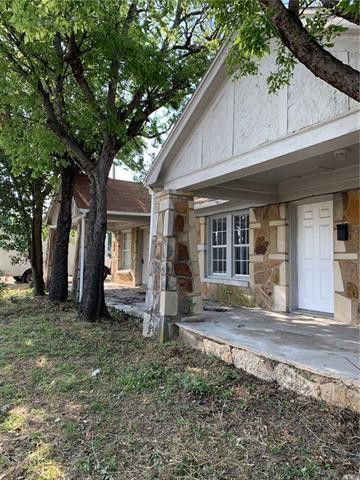 Photo of 1501 W Biddison St, Fort Worth, TX 76110