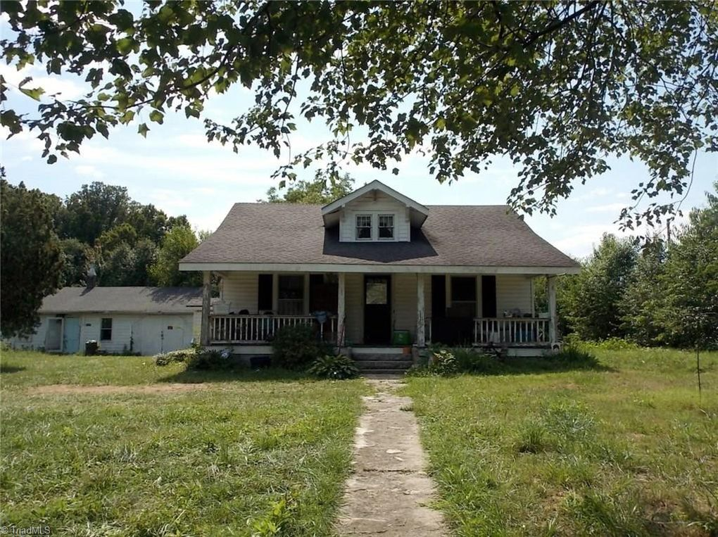 128 Southview St Mount Airy, NC 27030