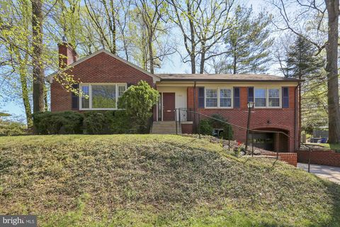 Photo of 1402 Crestridge Dr, Silver Spring, MD 20910