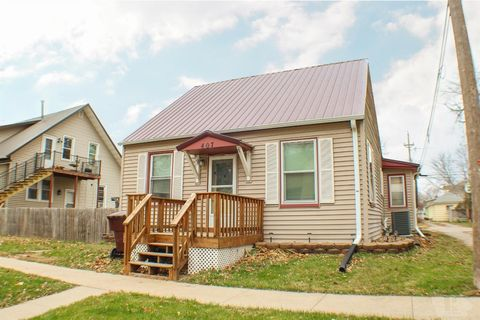 407 4th Ave E, Oskaloosa, IA 52577
