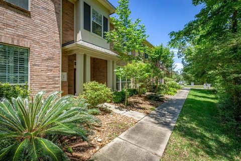 Photo of 34 Aria Ln, The Woodlands, TX 77382