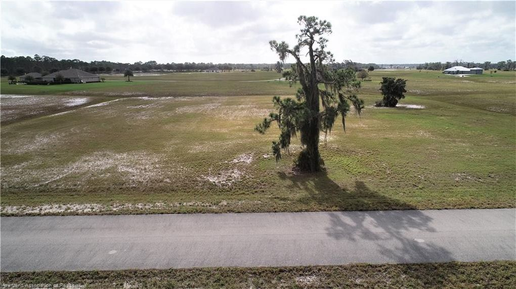4011 Camp Shore Dr Sebring, FL 33875