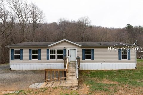 Photo of 3006 Mulatto Mountain Rd, Fleetwood, NC 28626