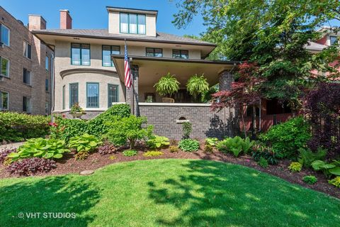 Photo of 7406 N Sheridan Rd, Chicago, IL 60626