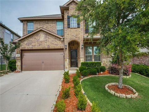 Photo of 5829 Tuleys Creek Dr, Fort Worth, TX 76137