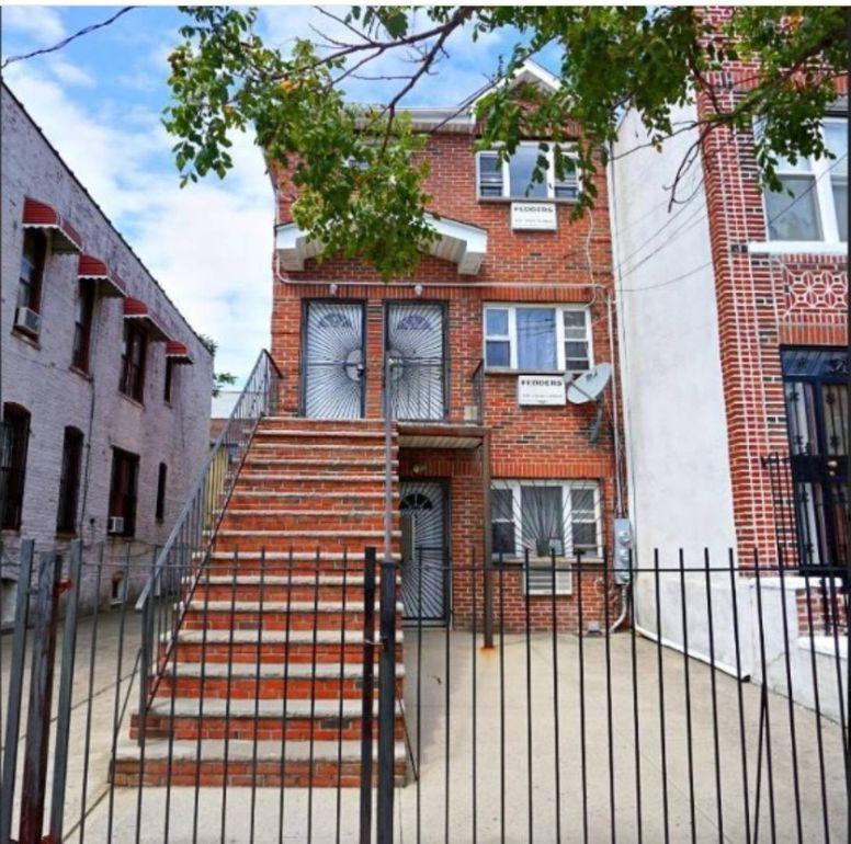 1023 Hegeman Ave Brooklyn Ny 11208 Realtor Com