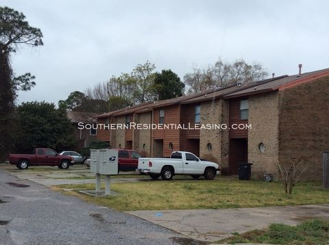 Photo of 421-f Hollywood Blvd Nw, Fort Walton Beach, FL 32548
