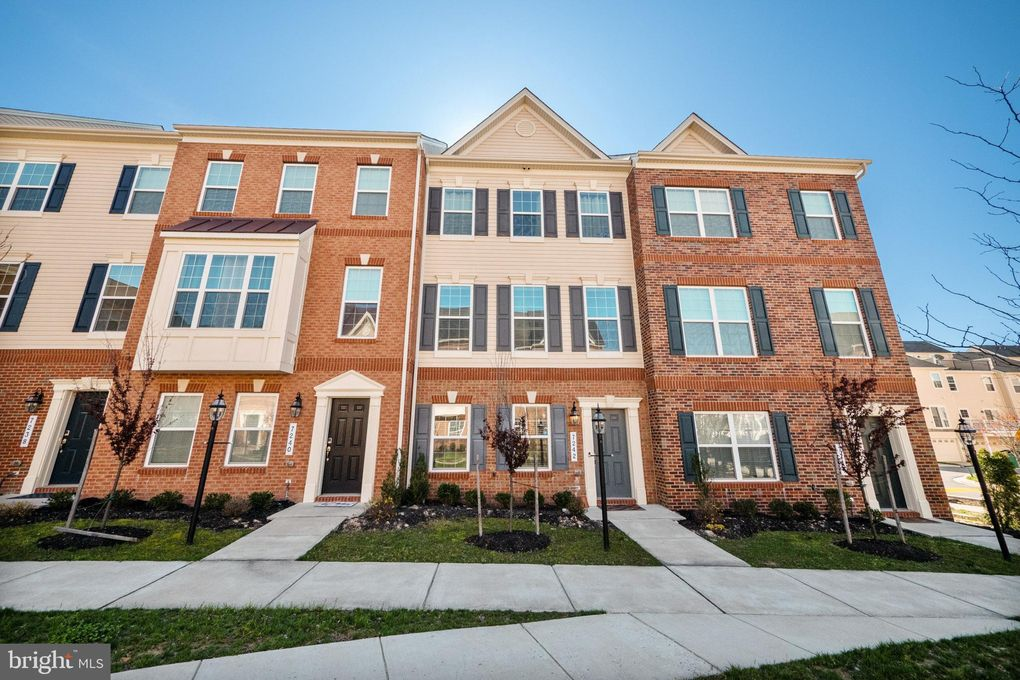 7242 Albion Way Hanover, MD 21076