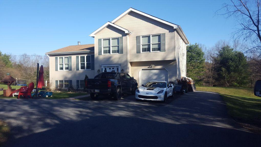 2592 Rising Hill Dr Saylorsburg, PA 18353