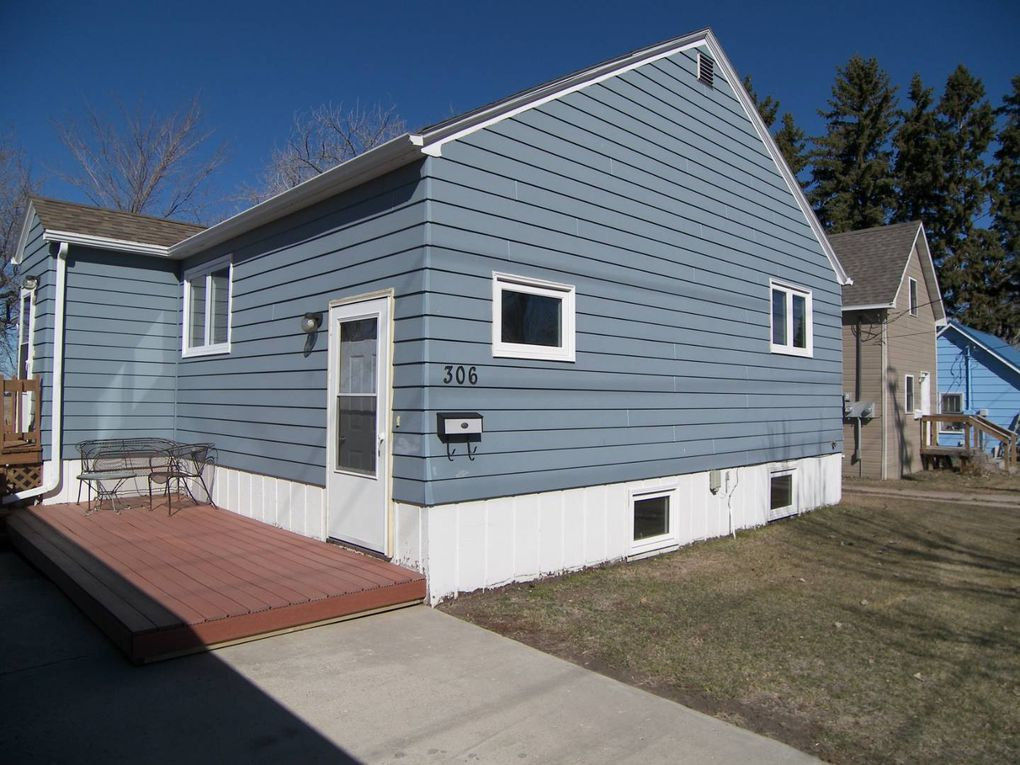 306 Bennett St Bottineau, ND 58318