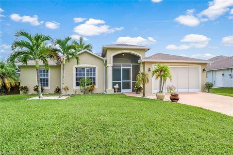 Photo of 1214 Sw 10th St, Cape Coral, FL 33991