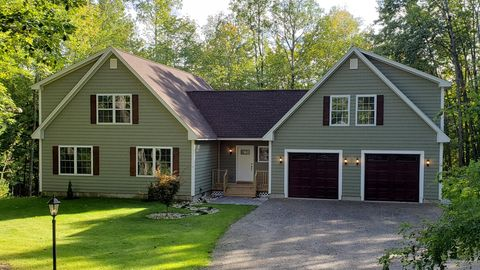 Photo of 577 Main St, Bridgton, ME 04009