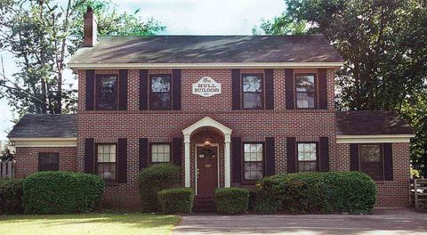Photo of 2007 Apalachee Pkwy, Tallahassee, FL 32301