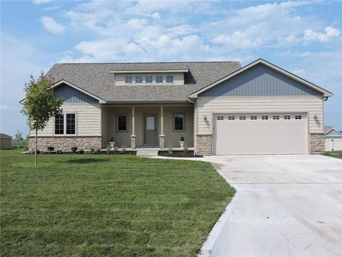 Photo of 802 N 10th Ave, Winterset, IA 50273