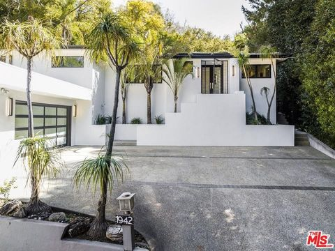 Photo of 1942 Coldwater Canyon Dr, Beverly Hills, CA 90210