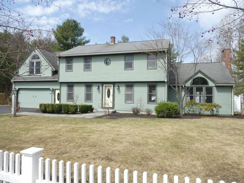 Photo of 26 Orchard St, Scarborough, ME 04074