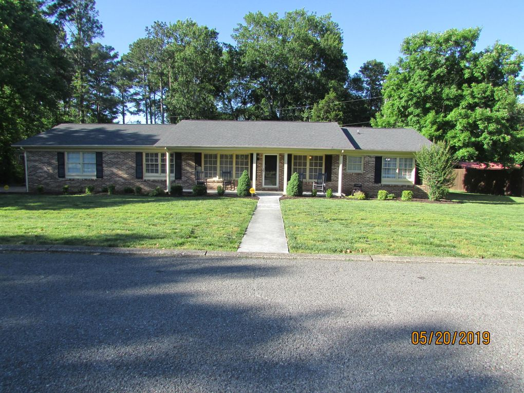 7452 Twin Brook Dr, Chattanooga, TN 37421