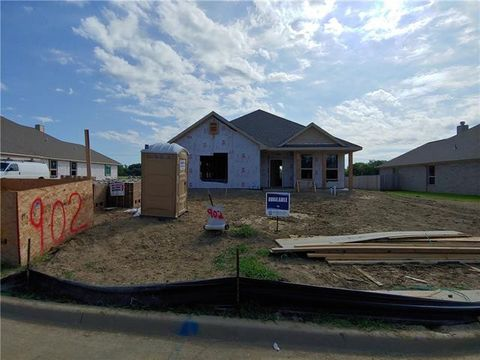 Photo of 902 Royse Ridge Rd, Ennis, TX 75119