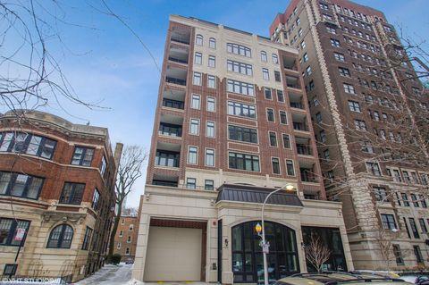 Photo of 434 W Melrose St Apt 401, Chicago, IL 60657