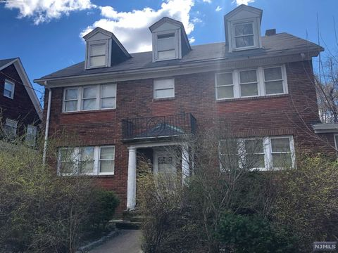 Photo of 20-22 Van Velsor Pl, Newark, NJ 07112