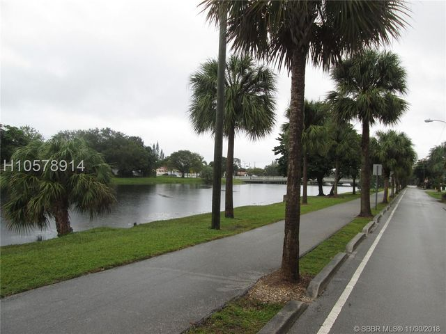 17190 S Glades Dr Apt 10 North Miami Beach Fl 33162