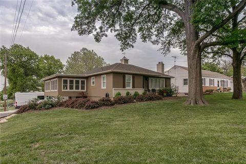 Photo of 12022 W 51st St, Shawnee, KS 66216