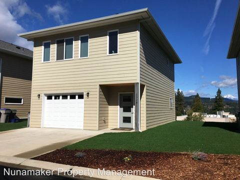 Photo of 2524 Viento Ln, Hood River, OR 97031