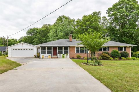 Photo of 222 Huffstetler Rd, Gastonia, NC 28056