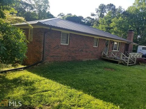 Photo of 1328 Sw Lake Cir, Mableton, GA 30126