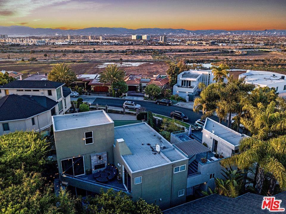 7811 Berger Ave, Playa Del Rey, CA 90293