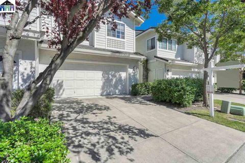 Photo of 402 Gingerwood Ln, Danville, CA 94506