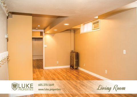Photo of 1007 S Center Ave Apt 8, Sioux Falls, SD 57105