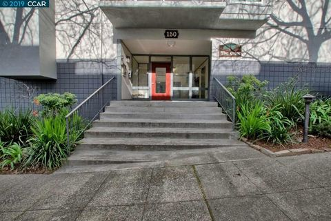Photo of 150 Pearl St Apt 112, Oakland, CA 94611