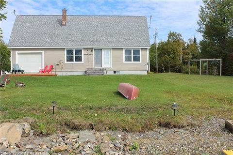 1332 N Shore Rd, Madawaska Lake Township, ME 04783