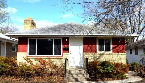 3240 Indiana Ave N, Robbinsdale, MN 55422